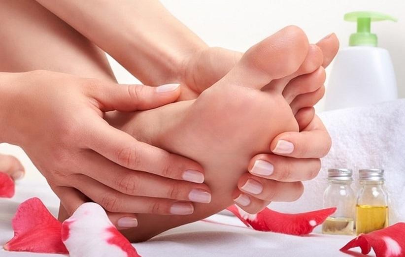 درمان خانگی ترک پاشنه پا