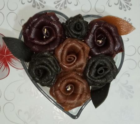 تزیینات لواشک به شکل کیک و گل,مدل تزیین لواشک شب یلدا