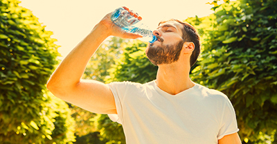 نوشیدن آب در حین ورزش