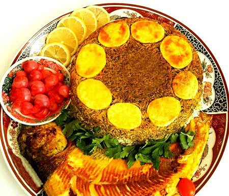 تزیین سبزی پلو با ماهی شکم پر